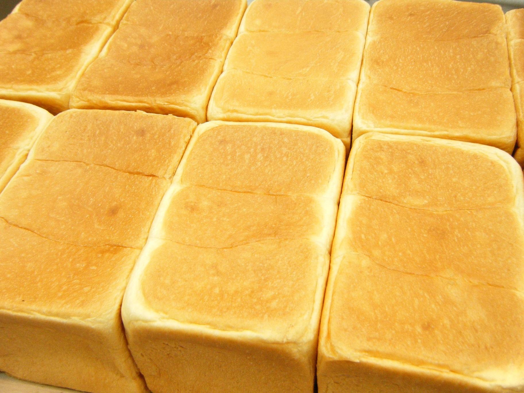 食パン工房あんじゅ本店 食パン上がりたてです